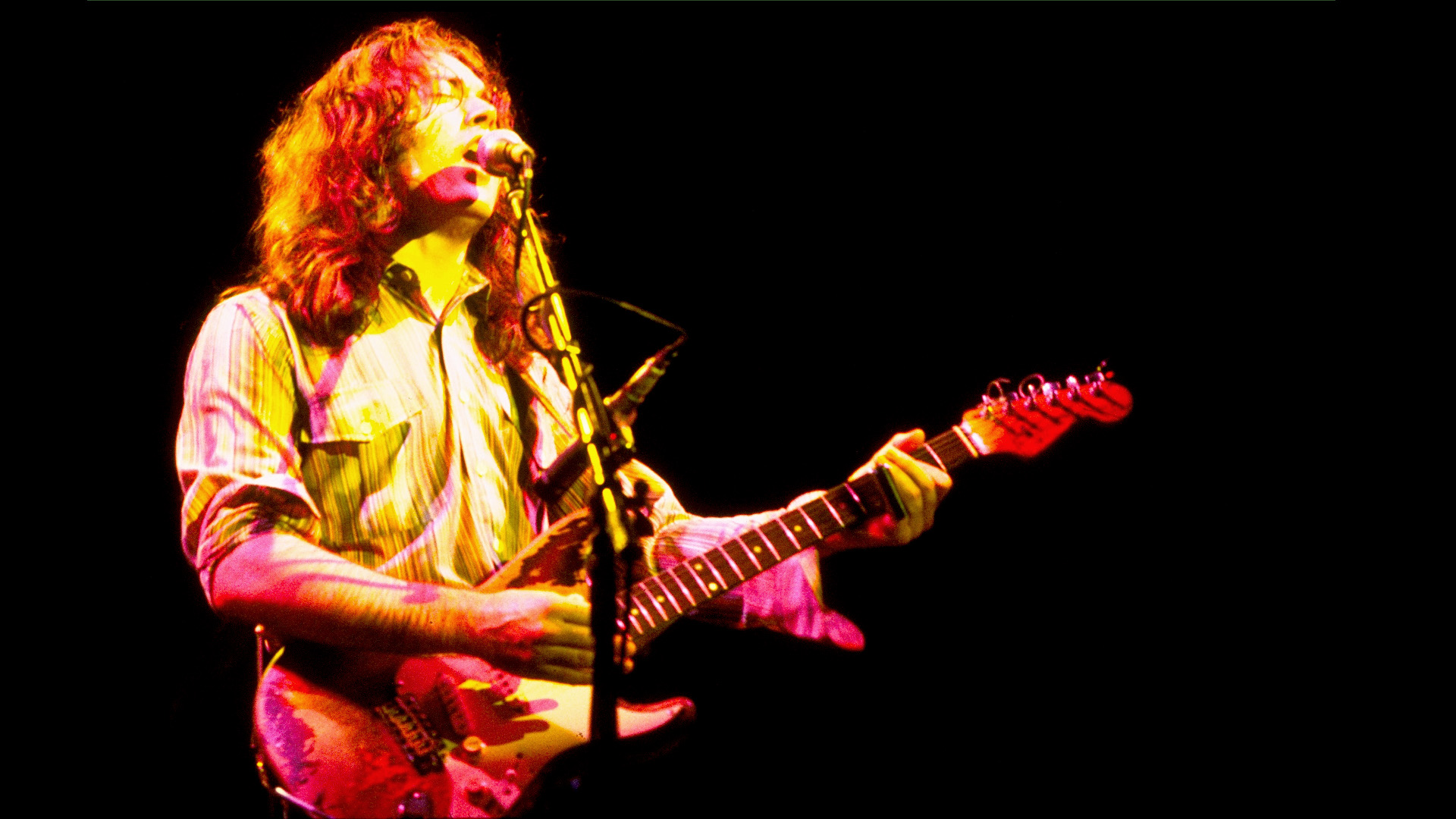 Rory Gallagher In Concert 194
